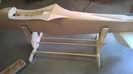 Model stand medium